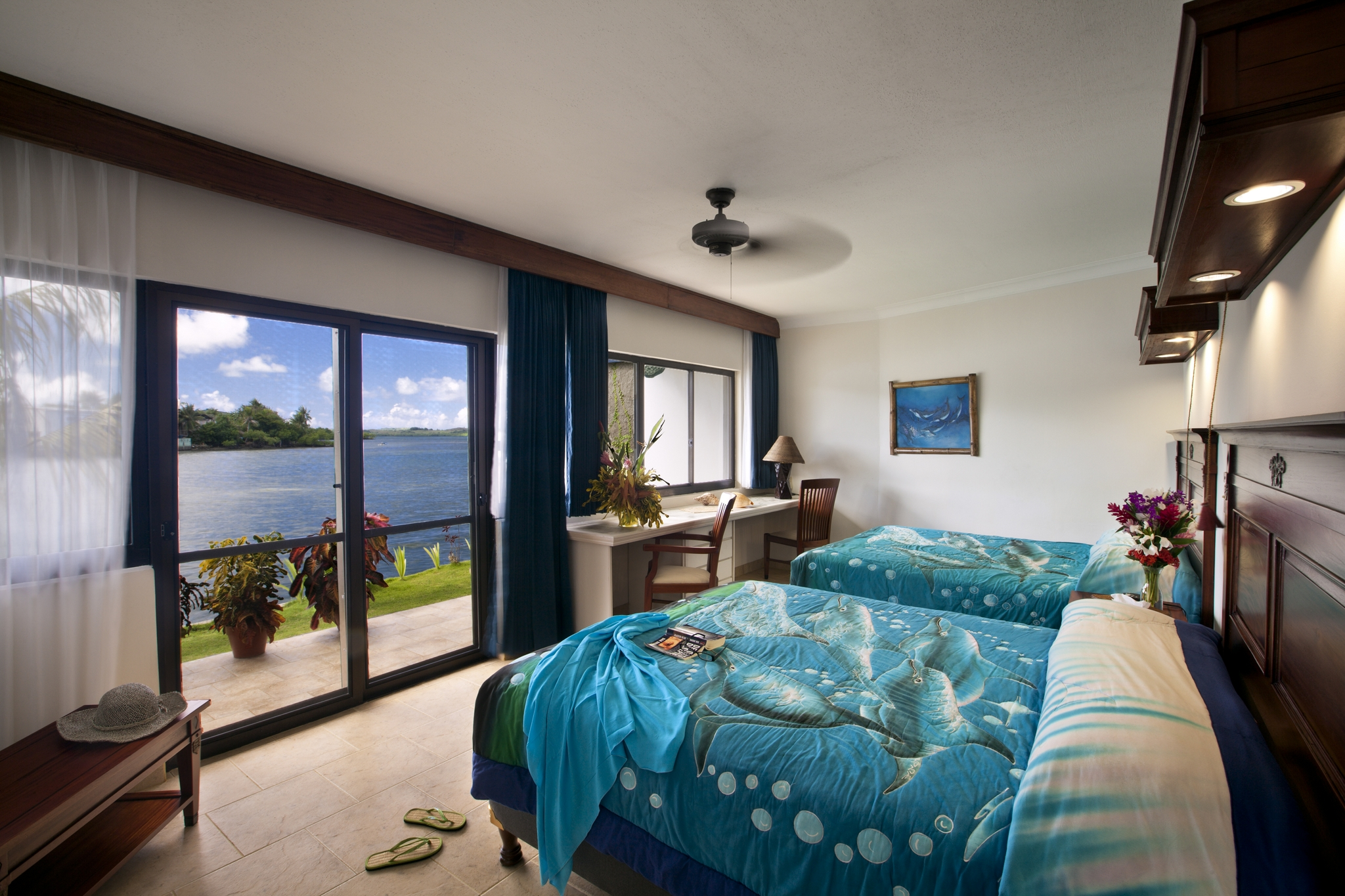 Large spacious room at Manta Ray Bay Resort